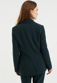 WE Fashion - REGULAR FIT - Blazer - moss green - 2