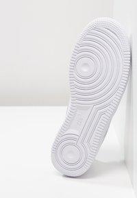 Nike Sportswear - AIR FORCE 1 '07 - Sneakers laag - white - 5