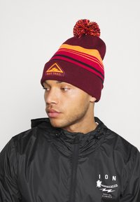 Nike Performance - BEANIE CUFFED TRAIL UNISEX - Gorro - dark beetroot - 0