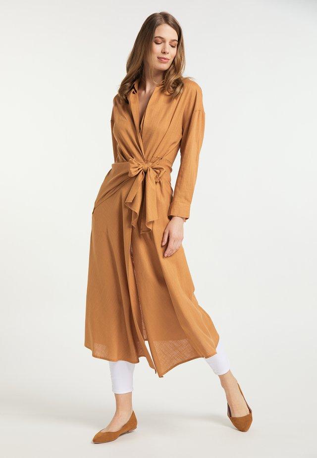 Sukienka koszulowa - hellbraun