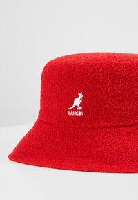 Kangol - BERMUDA BUCKET - Hat - scarlet - 6