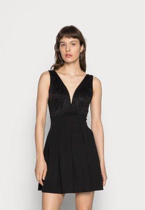 V NECK SKATER - Koktejlové šaty/ šaty na párty - black