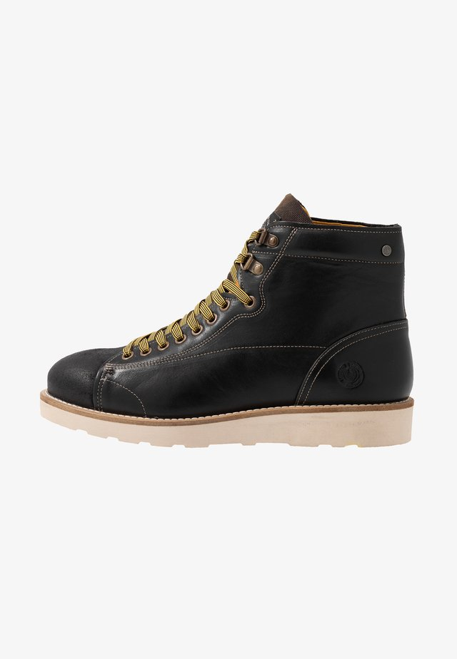 DEADBEAT - Veterboots - black