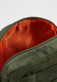 Alpha Industries - CREW CARRY BAG - Across body bag - sage green - 5