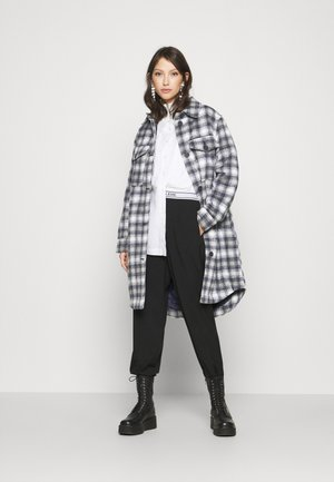 JDYTIK LONG CHECK JACKET  - Classic coat - sharkskin