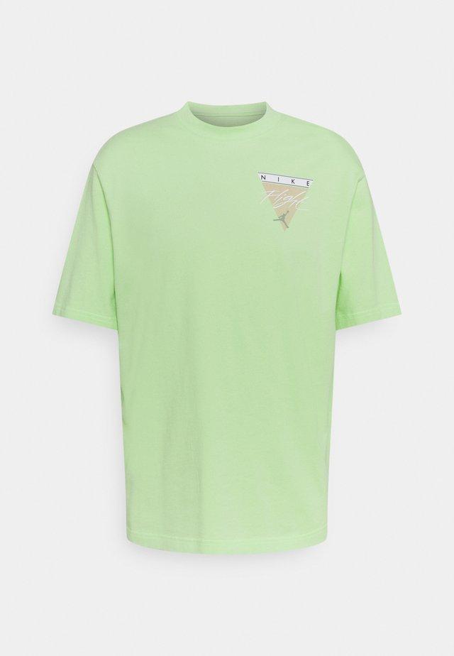 WASH - T-shirt con stampa - ghost green/steam