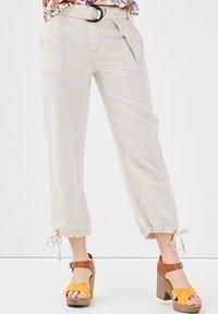 Cache Cache - Pantalones - beige - 3