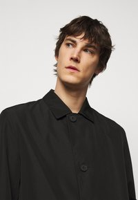 HUGO - MIDAIS - Short coat - black - 4