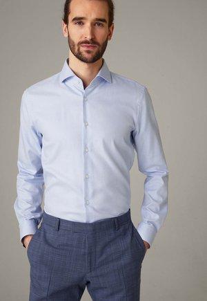 Shirt - hellblau gemustert
