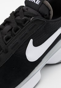 Nike Sportswear - D/MS/X WAFFLE - Trainers - black/white/metallic silver - 7