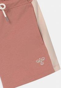 Hummel - SUNNY - Sports shorts - light pink - 2