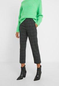 DRYKORN - BEGIN - Trousers - grau - 0