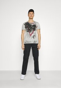 Key Largo - HYPE ROUND - T-shirt con stampa - silver - 1