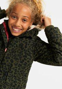 WE Fashion - MEISJES WATERAFSTOTENDE MET - Parka - army green - 1