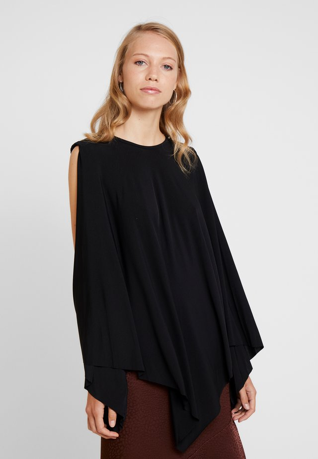 GET BACK IN LINE - Top - black