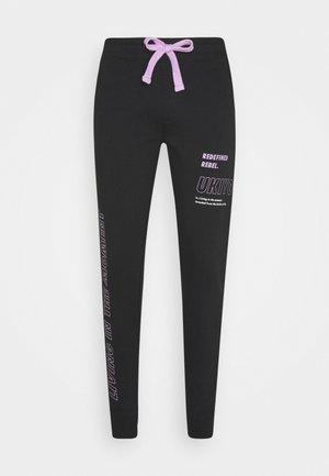 LOGAN PANTS - Tracksuit bottoms - black