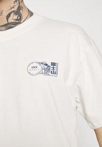 Edwin - MONDOKORO UNISEX - Print T-shirt - whisper white - 4