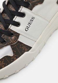Guess - LUCCA - Trainers - white - 5