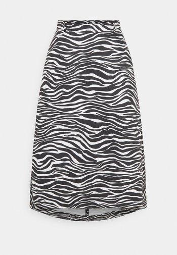 FREDDURA - Áčková sukně - black