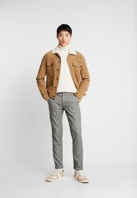 Selected Homme - SLHSLIM STORM FLEX SMART PANTS - Pantalones - grey - 1