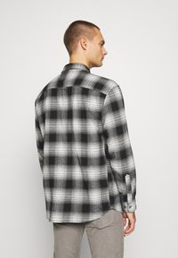 Jack & Jones - JCOOTTOWA WORKER - Skjorta - black - 2