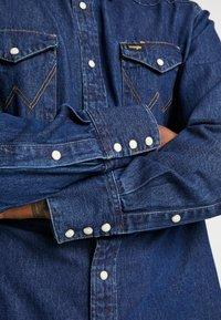 Wrangler - Shirt - dark blue - 5