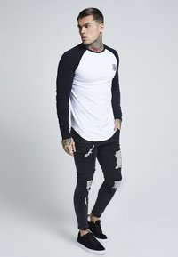 SIKSILK - RAGLAN LONG SLEEVE - Long sleeved top - black/white - 1