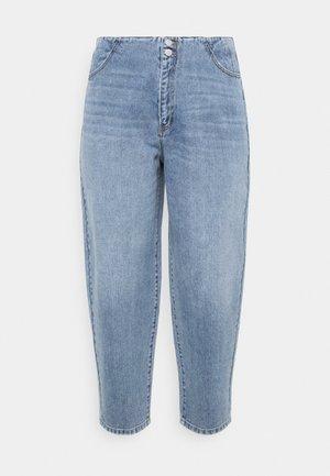 VMIDA BARREL CUTLINE - Relaxed fit jeans - light blue denim