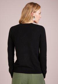 pure cashmere - V NECK - Jumper - black - 2