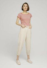 TOM TAILOR DENIM - CARMEN - Print T-shirt - coral white stripe - 1
