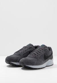 Nike Sportswear - AIR PEGASUS '92 LITE SE - Matalavartiset tennarit - anthracite/black/wolf grey/university red - 2