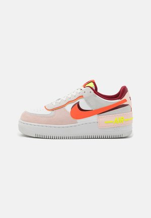 AIR FORCE 1 SHADOW - Sneakers laag - team red/orange/orange pearl/volt