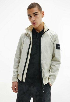 CRINKLE EASY  - Light jacket - off-white