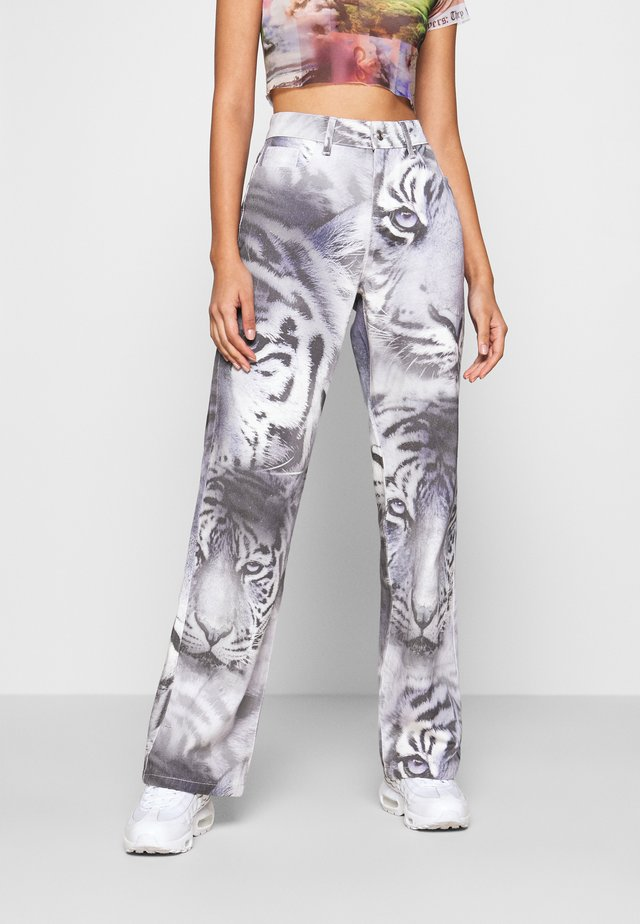 TIGER FADE PRINT SLOUCHY FIT - Straight leg jeans - blue