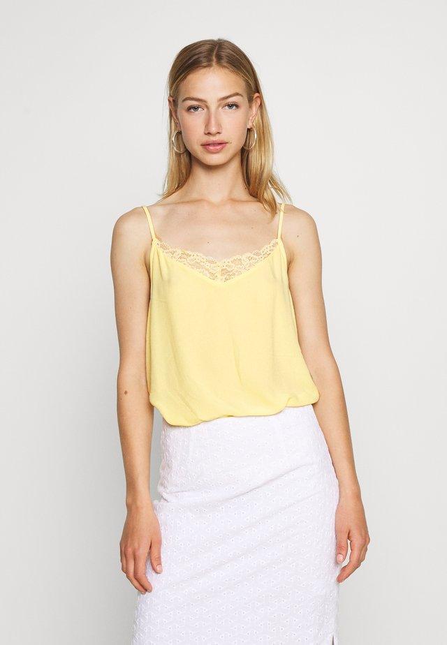 VIMERO SINGLET - Toppe - mellow yellow