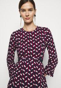 MAX&Co. - NARCISO - Vapaa-ajan mekko - burgundy - 3