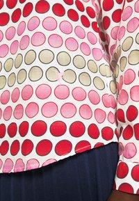 Emily van den Bergh - Bluser - pink/red - 6