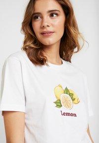 Merchcode - LADIES LEMON TEE - Print T-shirt - white - 5