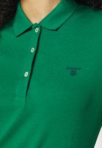 GANT - SUMMER  - Poloskjorter - lush green - 5