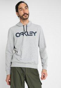 Oakley - MARK HOODIE - Hoodie - granite heather - 0
