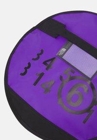 MM6 Maison Margiela - Taška spříčným popruhem - royal purple - 6
