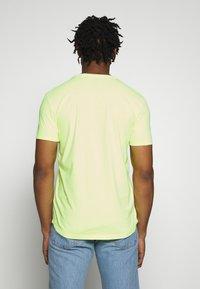 edc by Esprit - NEON DYE - Basic T-shirt - bright yellow - 2