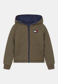 Tommy Hilfiger - REVERSIBLE  - Winter jacket - twilight navy/olive - 2