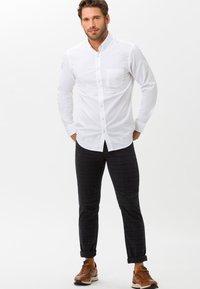 BRAX - STYLE CADIZ C - Straight leg jeans - navy - 1
