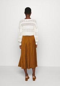 Soyaconcept - SC-PAMELA 26 - A-snit nederdel/ A-formede nederdele - dark caramel - 2