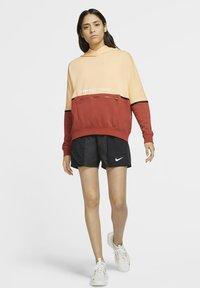 Nike Sportswear - HOODIE ARCHIVE - Hoodie - orange chalk/firewood orange/white - 1