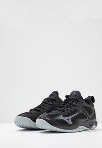 Mizuno - GHOST SHADOW - Håndboldsko - black/steel gray - 2