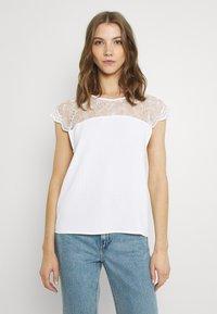 Vila - VILOVIE CAPSLEEVE - Print T-shirt - cloud dancer - 0