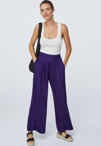 OYSHO - Kangashousut - dark purple - 1