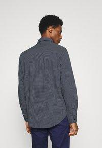 Tommy Hilfiger Tailored - GEO DOT - Formal shirt - navy/light blue - 2